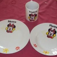 Kézzel festett tányérok és bögre
